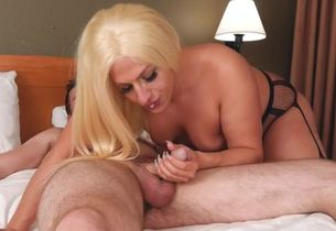 Meaty she-male plumbed