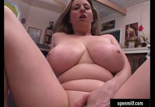 Hefty ultra-kinky cougar with enormous..