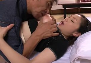 Big-titted Chinese Mature penetrates 2..
