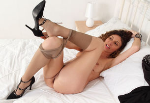 Super hot mature French Chloe opens up..