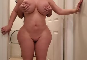 Hefty bum stepmom baise son-in-law..