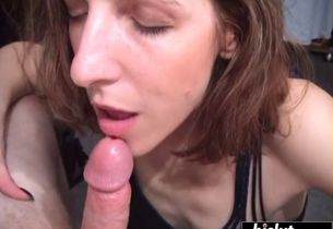 Cougar gets a throatful of saucy cum