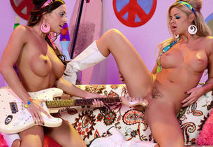 Abigail Mac & Jessa Rhodes in The..