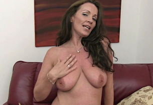 mature Marlyn jacks under messy chat