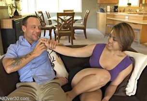 Wondrous cougar does not mind cuckold..