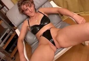 Milf sucking load of shit