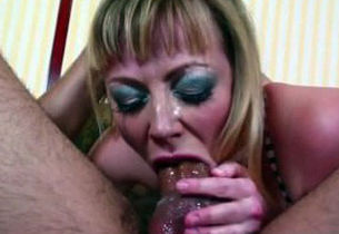 RealMomExposed – Steamy tat mommy..