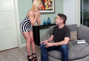 Rachel Roxx Frosted by Suspended Stepson