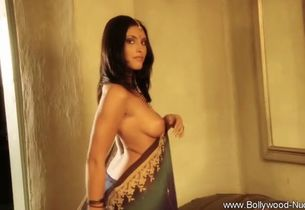 Sensuality on show in exotic bollywood