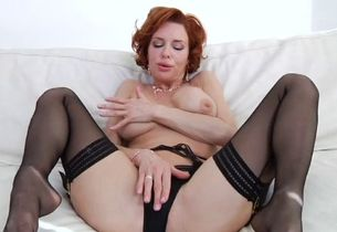 Redhaired cougar veronica fucked on..
