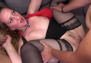 Mature mommy Louise Du Lac gets..